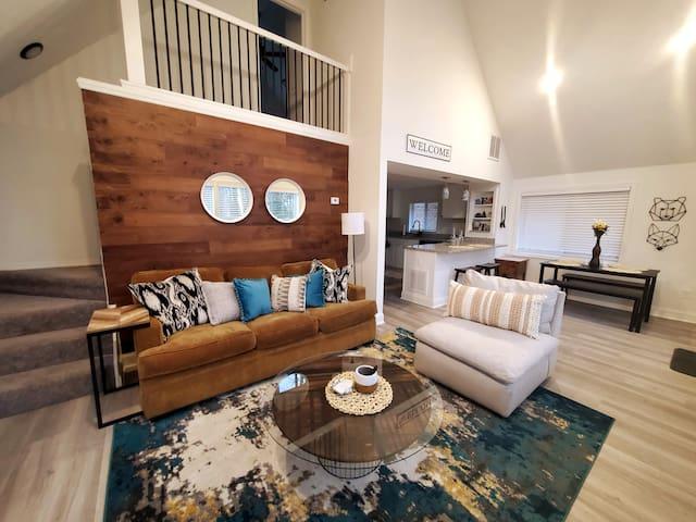 Boulderview Terrace:  Cozy, Modern Cabin for 8