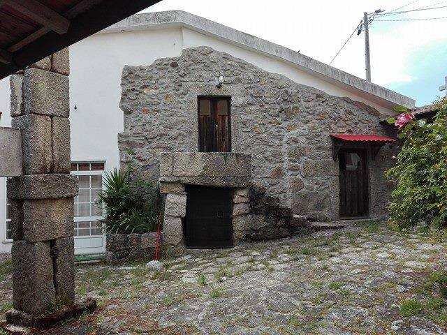 Rustic Stone House Near Golf Vidago