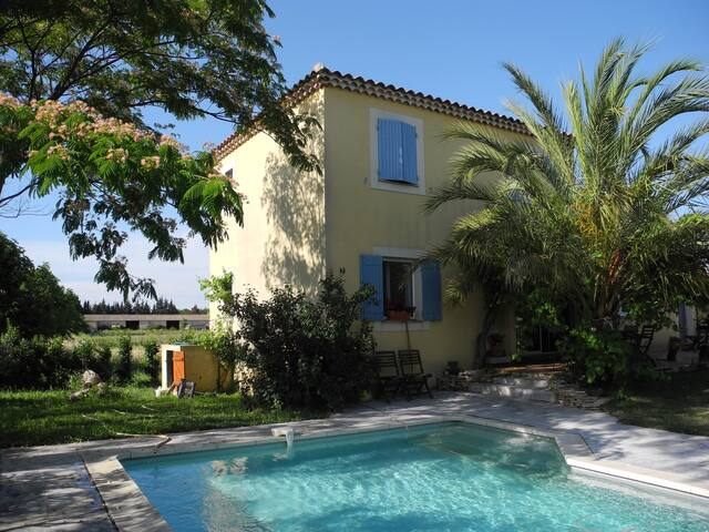 French American B&B in Provence - Sauveterre - Bed & Breakfast