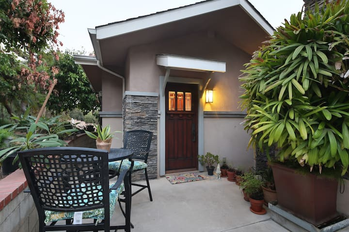 Guest house private entry