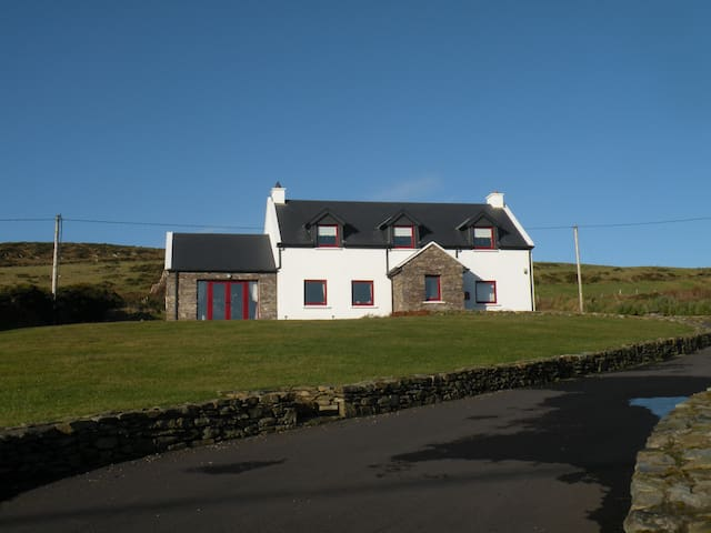Saoirse, Ballinskelligs, Co Kerry - Ballinskelligs - House