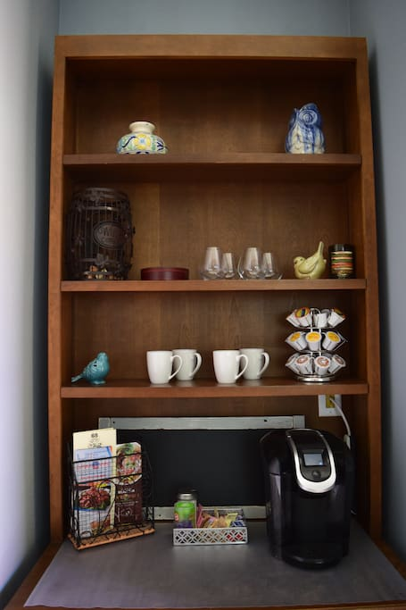 Fully Stocked Coffee and Tea Bar: Keurig Coffee Machine with a Variety of Choices, Creamers, and Sugar/Sweet&Low
