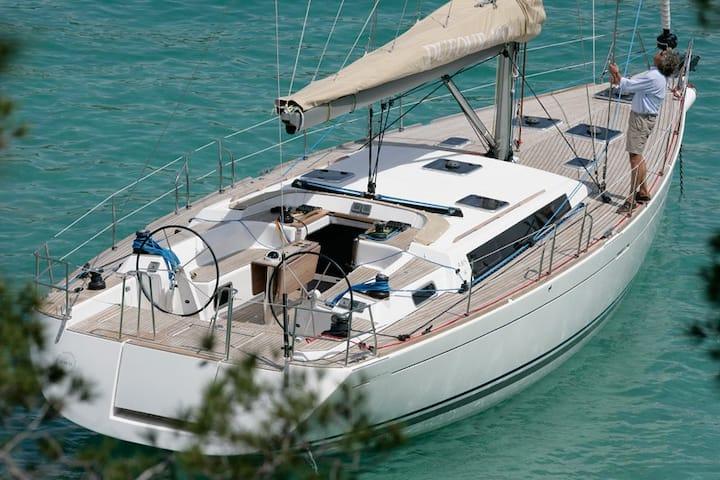 Noleggio barca a vela Siracusa e dintorni