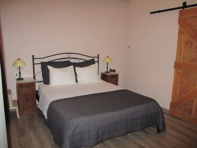 Double room-Ensuite with Shower-Room 1