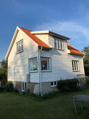 Summer house for rent on the island of Tjörnekalv.