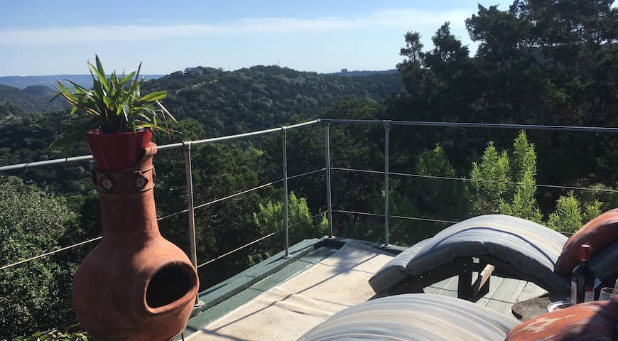 Hill Country Studio, Queen Bed, Spa & Stars