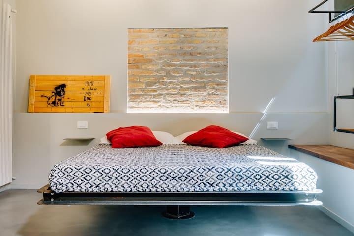 NEW IN: Leonina Secret Suite