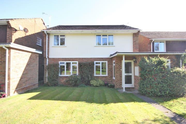 4 bedroom house, Seer Green, Buckinghamshire, UK