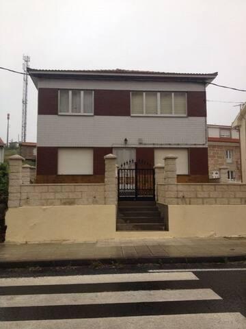 House Caxón - O Pindo - House