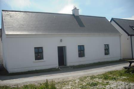 Rusheen Cottage Inishbofin Island - Ile