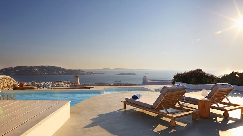 Serviced Luxury Villa / Sunset View /Near the Town