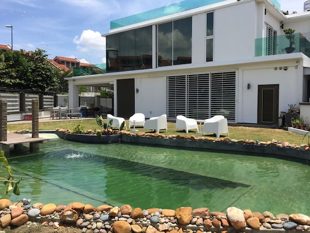 Private swimming pond house - Puchong - Casa de camp