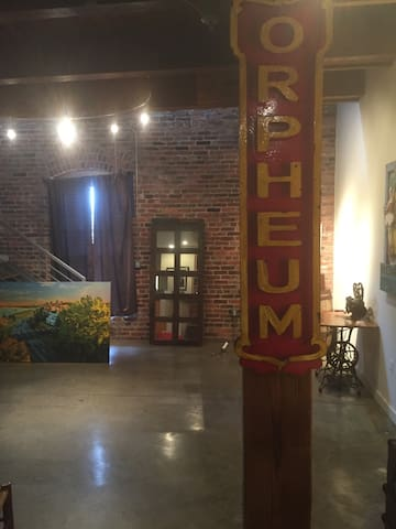 Downtown Loft, Exposed Beams, Brick. Walk to River - Memphis  - Appartement