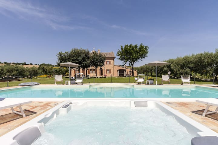 Villa Pedossa, Your Country Escape w/pool jacuzzi - Trecastelli - Villa