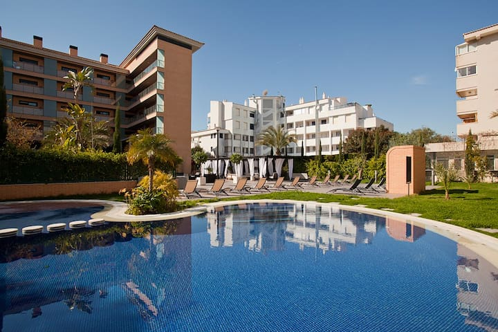 Preveligely located apartment with sunny terrace