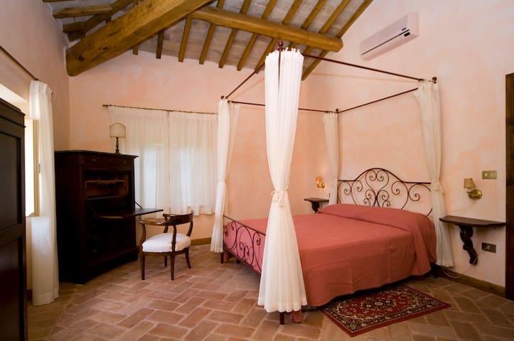 Appartamento in Villa del 700' - Trevi - Daire