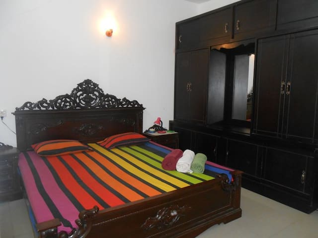 Skyline Views Charming, Apartment - Dehiwala-Mount Lavinia - Appartement