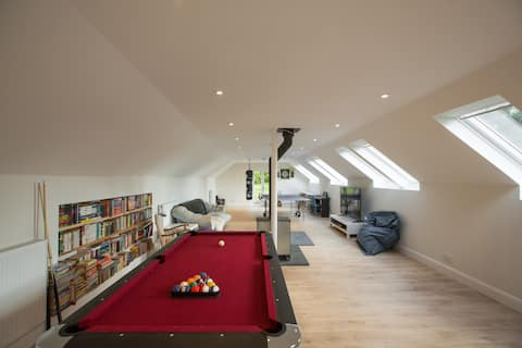 Rural Cottage by Cleish with fantastic Games Room
