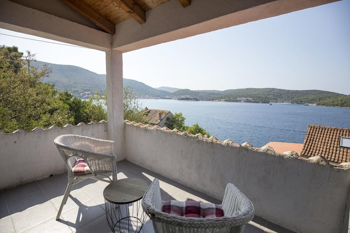 Studio flat near beach Vis (AS-17960-a)
