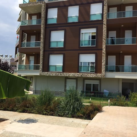 Luxury flat between airport and sea - Antalya  - Leilighet