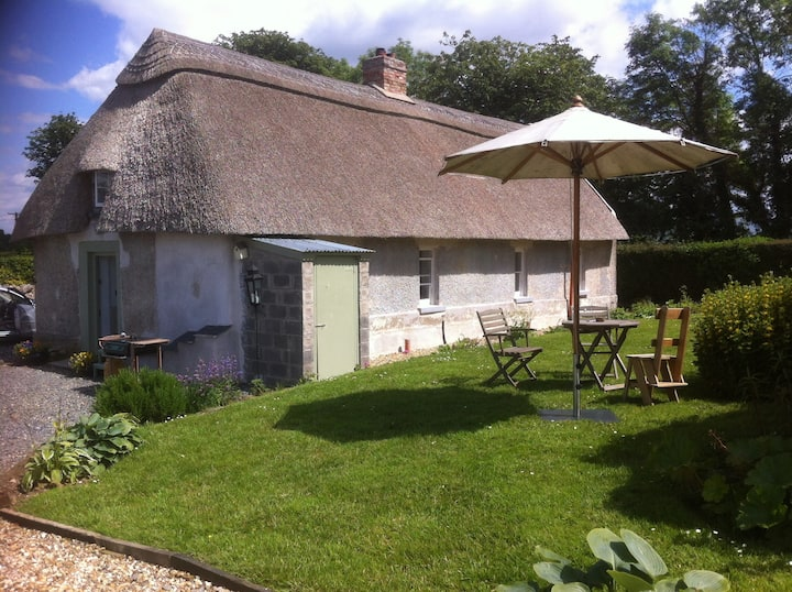 Sole occupancy private thatched cottage