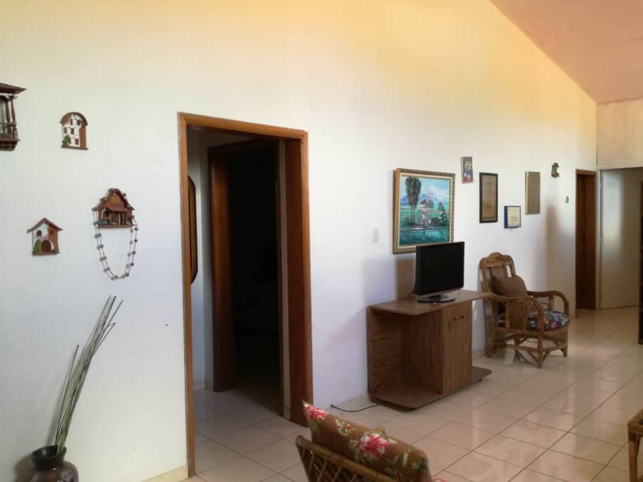 Área de Lobby común con sólo dos habitaciones.