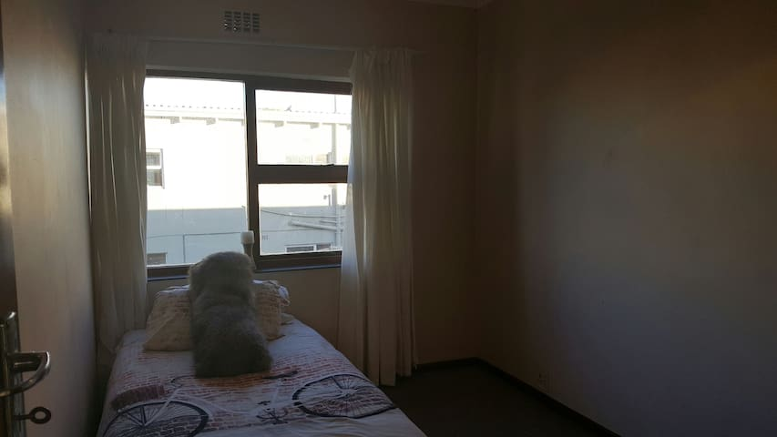 Single bedroom in cosy duplex - Cape Town - Apartemen