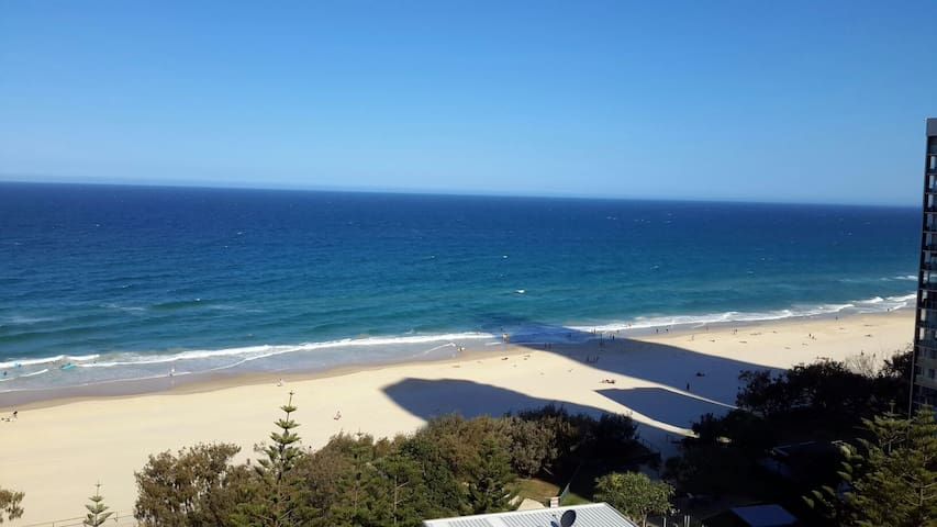 Ocean Front unit with great views  - Surfers Paradise - Byt