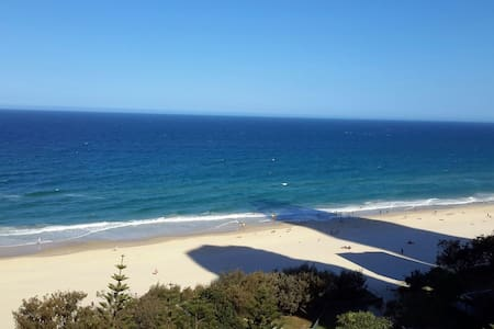 Ocean Front unit with great views  - Surfers Paradise - Leilighet