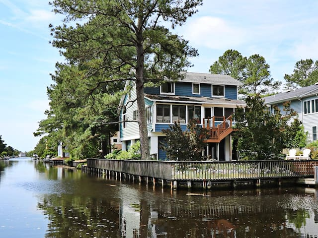 S301W: 4BR+Den Canalfront South Bethany SFH w/ Boat Dock - 8 Blocks to Beach