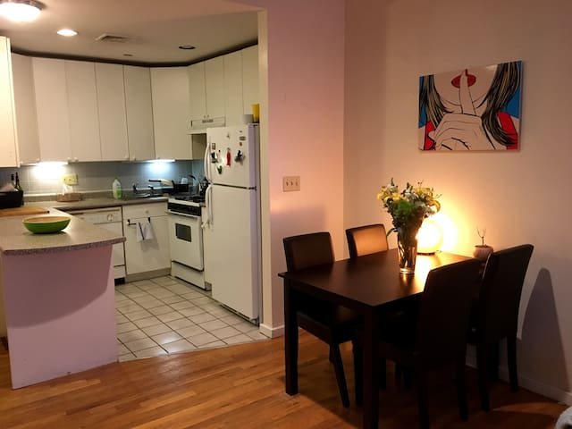 IDEAL LOCATION - NEWBURY ST 1BR/1BA - Boston - Lägenhet