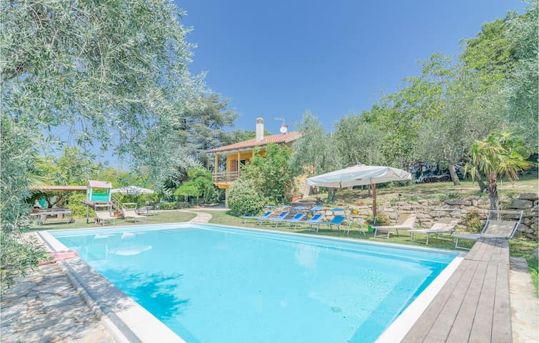 Holiday cottage with 4 bedrooms on 170m² in Pesaro -PU-