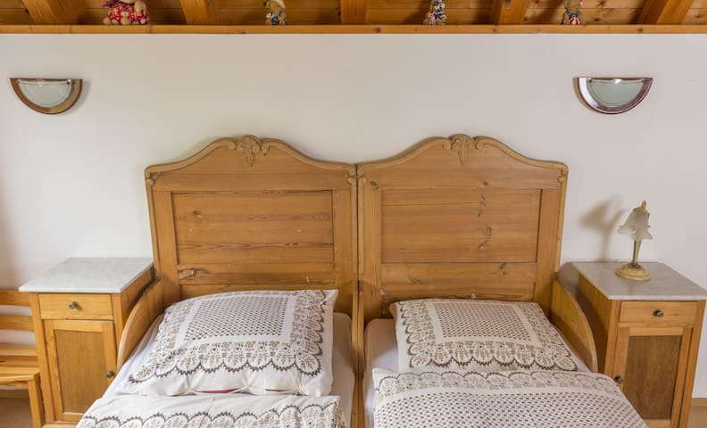 Erlebnisbauernhof Stierhof, (Iphofen-Dornheim), Ferienwohnung 60qm, 2 Schlafzimmer, max. 4 Personen