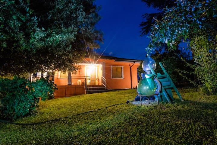 Villa immersa completamente nel verde,totale relax