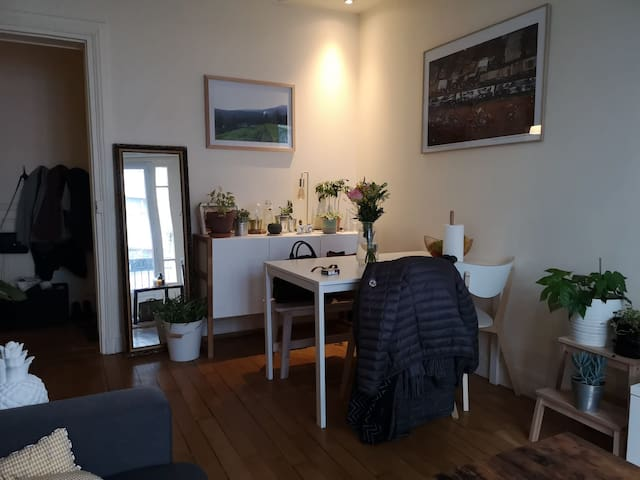 Living room with dining table for 4 people