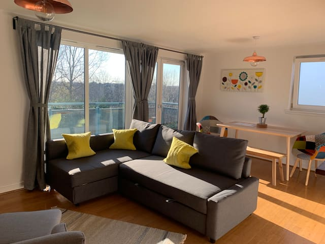Modern apartment in West End of Glasgow
