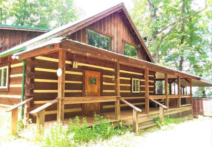 The Treehouse is a beautiful cabin in the Smokies