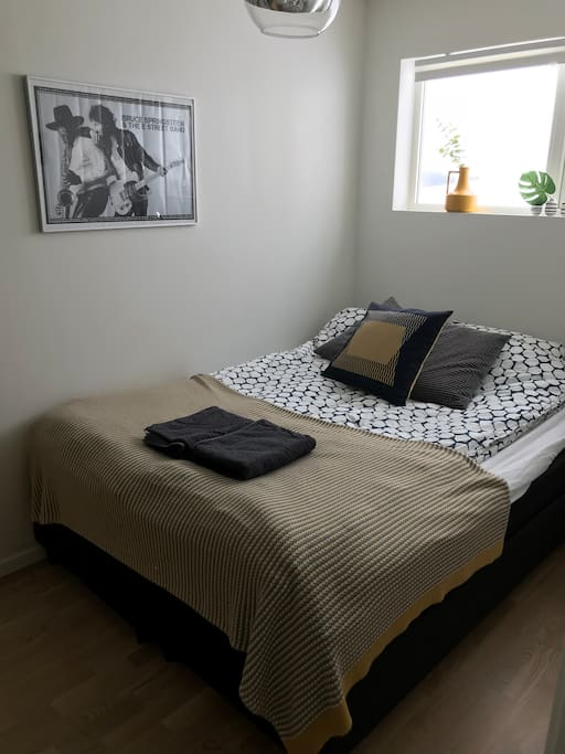 Bedroom #1 Deco Blue Full Double bed