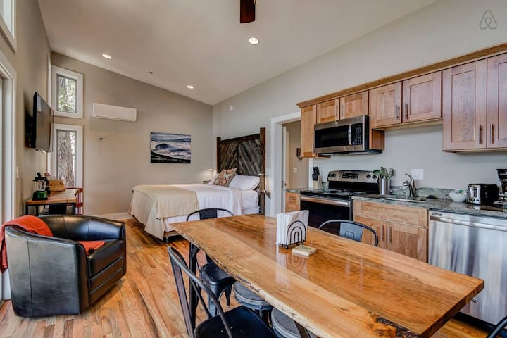Cabins feature pivoting flatscreen TVs, cable with 200+ channels, free 5G Wi-Fi, and bluetooth speakers for entertainment.