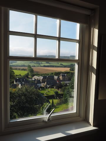 Cosy double room with fabulous view - Weem - Bed & Breakfast