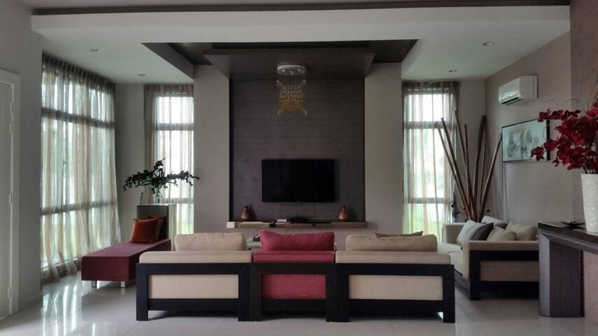 Vista Kirana 5 Bedrooms Bangalow - Bemban - Haus