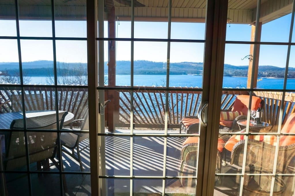 Private Deck Overlooking Tablerock Lake
