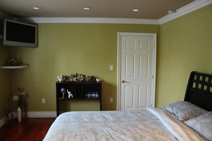 LAX Beautiful Private Bedroom w/ Bath