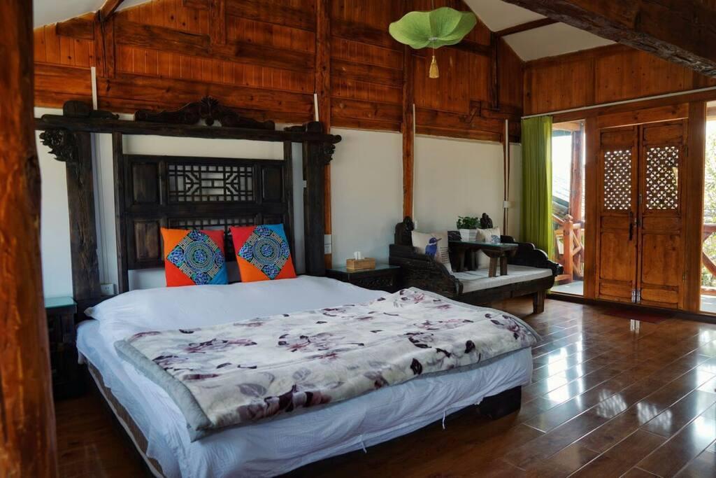 卧室1:2*2米双人床