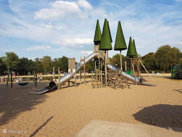 Chalet op Vakantiepark Dierenbos Vinkel, Den-Bosch