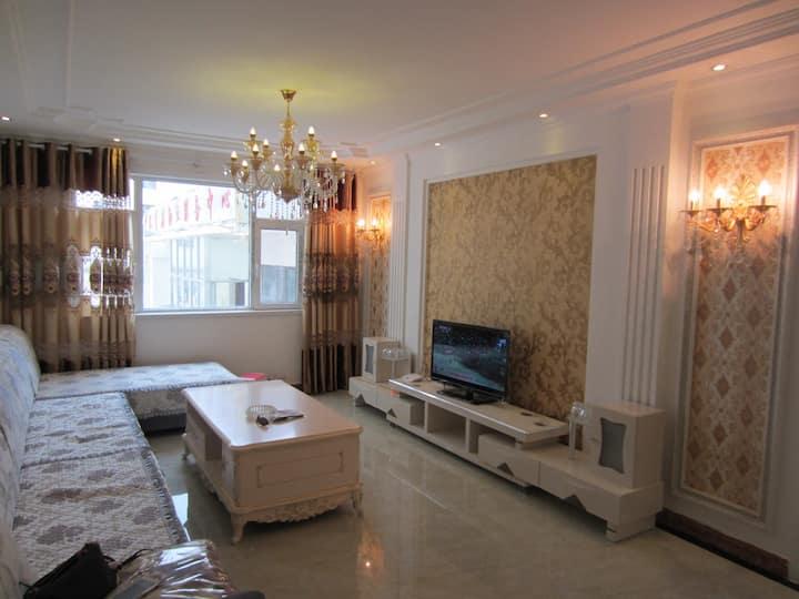 西宁最中心最繁华地段三室两厅豪华套房 大十字 莫家街