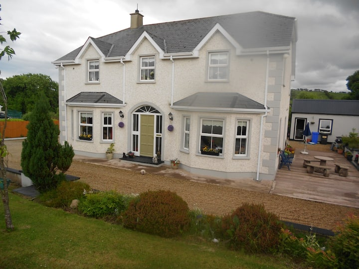 Spacious triple Room near Donegal Town
