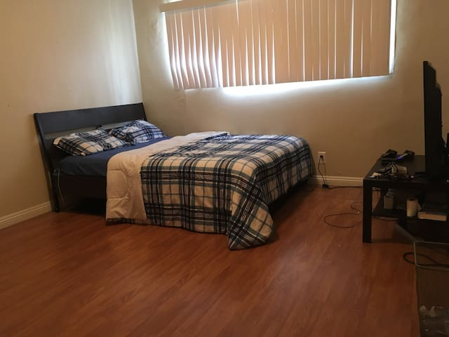 Very clean private room - Los Angeles - Apartment