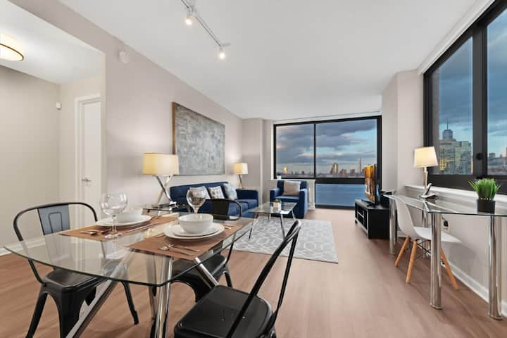 Modern & Clean 2BR | W/D |Easy Access to PATH, NYC