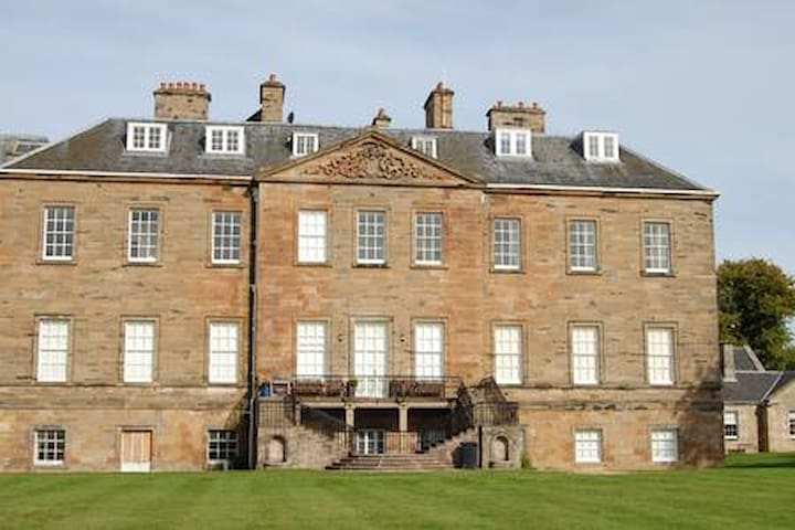 Duplex Apartment in Grade A Listed Elie House